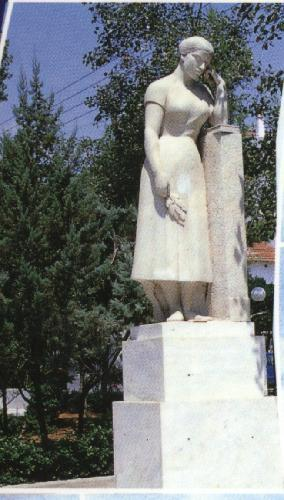 The Statue for the Mother - The statue of mother in Nea Ionia