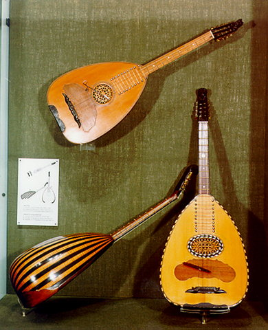 Museum of Popular Instruments - Research Centre for Ethnomusicology  - Chordophones - The permanent exhibition is spread over three floors and divided into four sections. Here Chordophones (first floor): Tambourades, laghouta (long-necked lutes) outia (short-necked lutes), quitars , mandolins, dulcimers etc