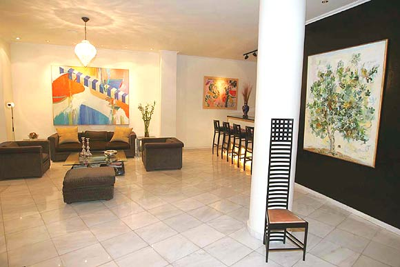 Picture of living-room and lobby area of Art Hotel in Athens. CLICK TO ENLARGE