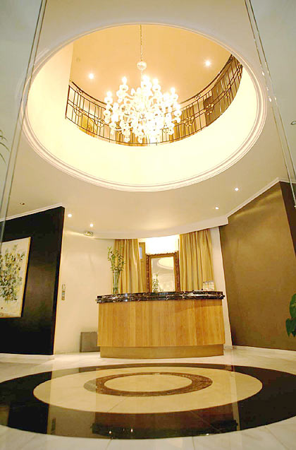 Image of the reception of hotel Art located in center of Athens. CLICK TO ENLARGE