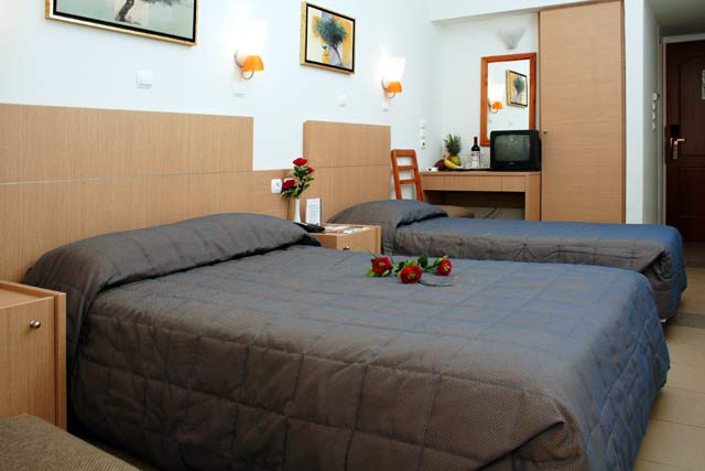 Double and Single Bed of the triple room CLICK TO ENLARGE