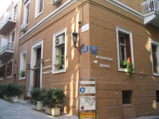 ACROPOLIS HOUSE IN  Kodrou 6-8