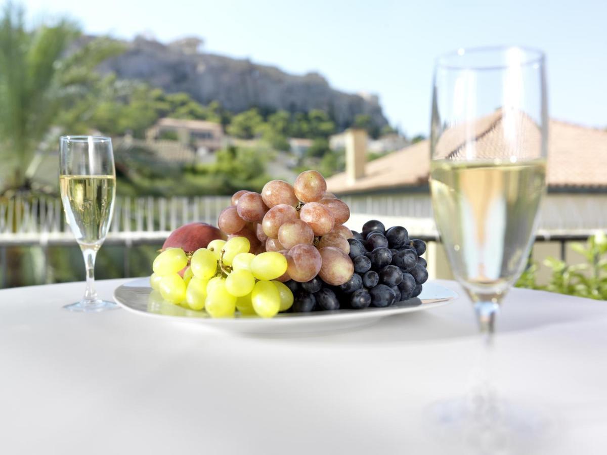 ADRIAN HOTEL IN  74, Adrianou Str. Plaka