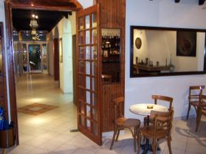 APPIA HOTEL IN  21 Menandrou Street  (Near Omonia Square)