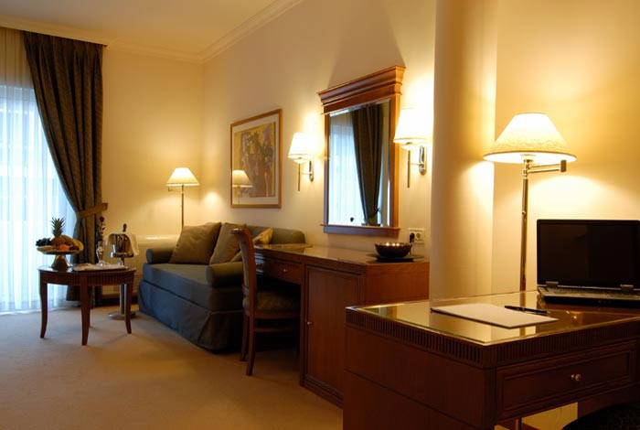 Image of the double room of Athens Atrium Hotel. CLICK TO ENLARGE
