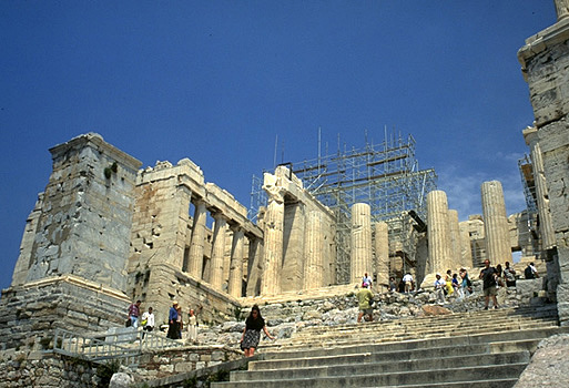 For years, tourists to the Acropolis have been frustrated to find ancient monuments shrouded in scaffolding, thanks to a long and painstaking restoration project. Now, an end is in sight. <br><br>
